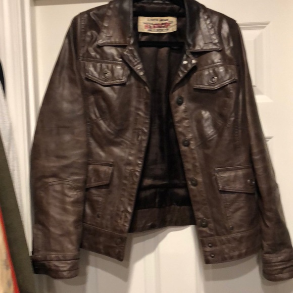 Glenoshe leather jacket size L but fits like M
